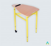 фото -  Стіл 5-кутний мобільний з регулюванням кута  нахилу стільниці, ростові групи №3-5