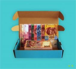 фото - Набір грошових знаків
