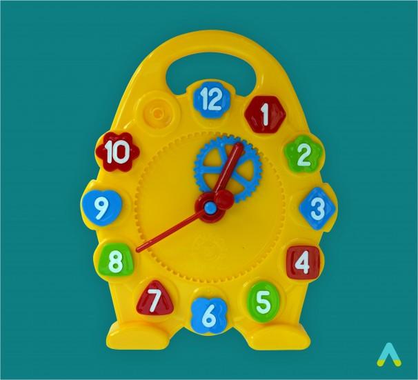 Модель механічного годинника - фото