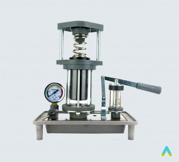 Діюча модель гідравлічного преса - фото