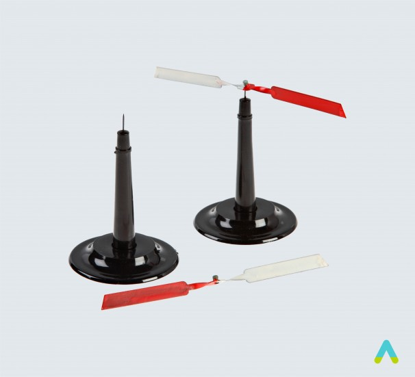 Стрілки магнітні на підставці демонстраційні (пара) - фото