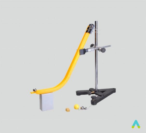 Прилад для вивчення траекторії кинутого тіла